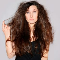 3 Reasons Your Hair is Dry and How to Fix It